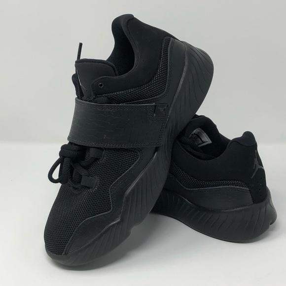 huge selection of b6ef6 c7410 🌟New Authentic Jordan black sneakers 🌟